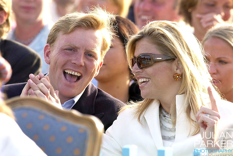 CONCERT IN BERGHOLM TO CELEBRATE CROWN PRINCESS VICTORIA.OF SWEDEN'S 25TH BIRTHDAY.  14/7/02 . PICTURE: UK PRESS  (ref 5105-43).CROWN PRINCE WILLEM ALEXANDER AND CROWN PRINCESS MAXIMA .