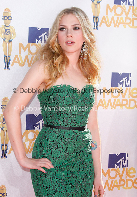 Scarlett Johansson Reynolds at the 2010 MTV Movie Awards held at The Gibson Ampitheatre in Universal City, California on June 06,2010                                                                               © 2010 Debbie VanStory / Hollywood Press Agency