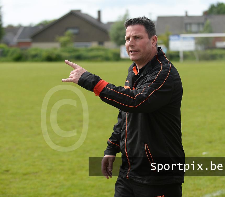 SVD Kortemark - VV Westkapelle : Westkapelle trainer Jordi Lemiengre <br /> foto VDB / BART VANDENBROUCKE