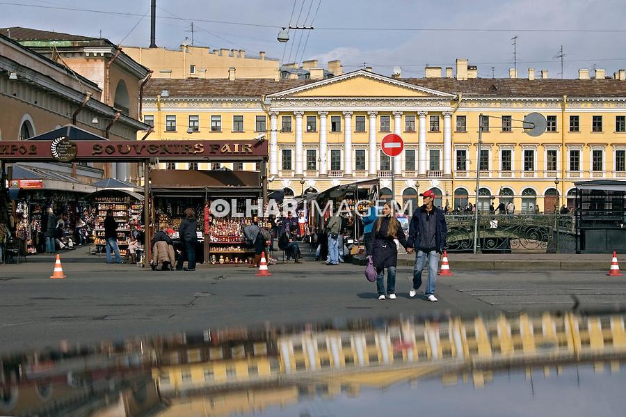 Mercado de artesanato em São Petersburgo. Russia. 2008. Foto de Cris Berger.