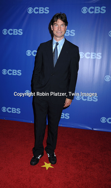 """Jerry O'Connell, star of The Defenders"""" arriving at The CBS UPfront presentation of their 2010-2011 Season on May 19, 2010 at Lincoln Center."""