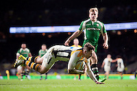 Elliot Daly of Wasps dives for the try-line. Aviva Premiership match, between London Irish and Wasps on November 28, 2015 at Twickenham Stadium in London, England. Photo by: Patrick Khachfe / JMP