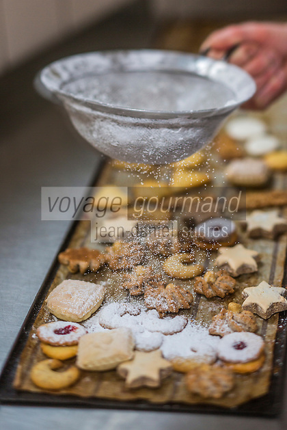 Europe/Allemagne/Bade-Würrtemberg/Forêt Noire/Haslach:  Plätzchem,  Petits gâteaux de Noël traditionnels de forme différentes à la boulangerie Jetter,