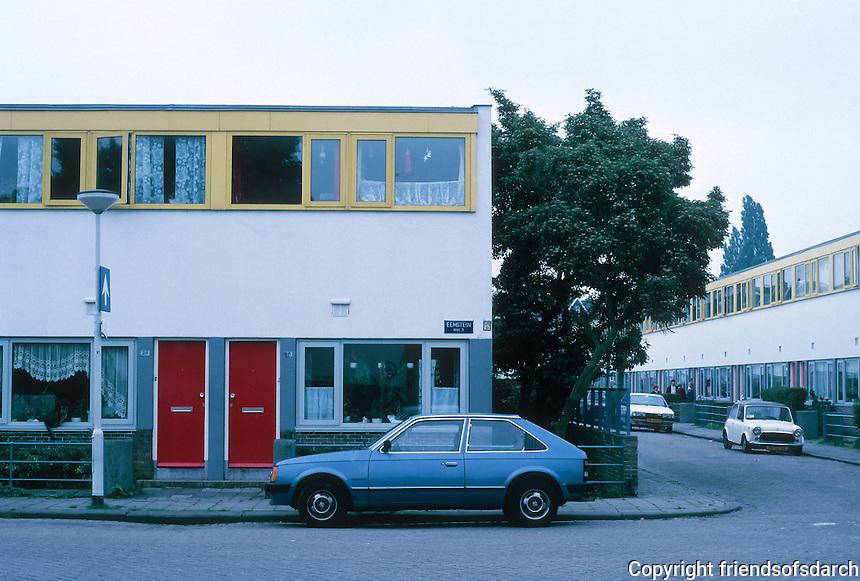 J.J.P. Oud: Kiefhoek Housing Estate, 1928, elevation. Note: These flats had recently been (1987) restored.