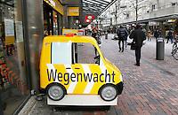 Nederland  Amsterdam  2017 . ANWB winkel in het winkelcentrum Amsterdamse Poort in de Bijlmer.  Foto Berlinda van Dam / Hollandse Hoogte