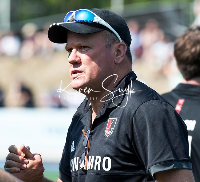UTRECHT -  coach Graham Reid (Adam) voor  de finale van de play-offs om de landtitel tussen de heren van Kampong en Amsterdam (3-1). COPYRIGHT  KOEN SUYK