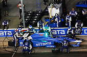 Verizon IndyCar Series<br /> Rainguard Water Sealers 600<br /> Texas Motor Speedway, Ft. Worth, TX USA<br /> Saturday 10 June 2017<br /> Tony Kanaan, Chip Ganassi Racing Teams Honda pit stop<br /> World Copyright: Michael L. Levitt<br /> LAT Images