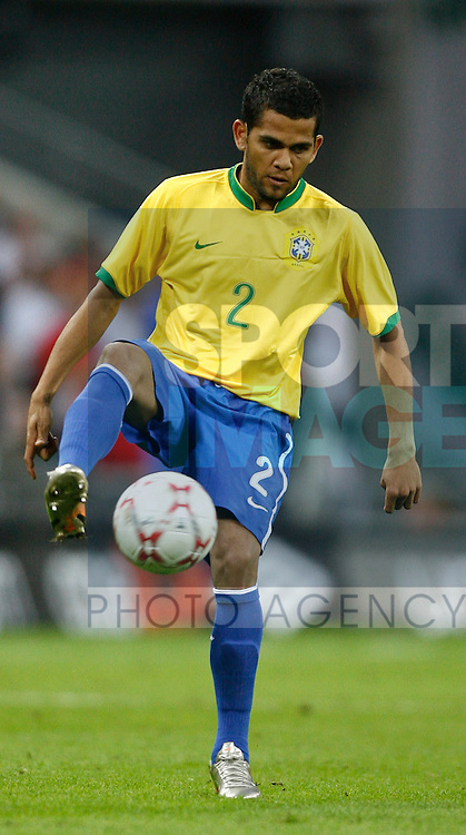 Brazil's Daniel Alves..International Friendly..England v Brazil..1st June, 2007..--------------------..Sportimage +44 7980659747..admin@sportimage.co.uk..http://www.sportimage.co.uk/
