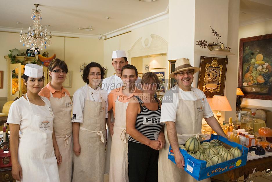 Europe/France/Provence-Alpes-Cote d'Azur/84/ Vaucluse/Cavaillon : Jean-Jacques Prévot  et son équipe, du restaurant Prévot sur le thème du melon,décoration et menus