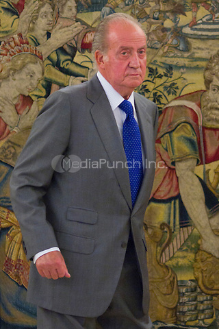 MADRID, SPAIN - July 25, 2012: King Juan Carlos of Spain at Zarzuela Palace with the Directors and Management Committee Malaga Press, on the occasion of 75 anniversary of the newspaper Sur. Credit: Alterphotos/Marta Gonzalez/NortePhoto/MediaPunch Inc. ***NO SPAIN,NO MEXICO,NO GERMANY,NO FRANCE***