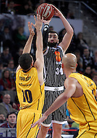 Herbalife Gran Canaria's Ryan Toolson (l) and Uxue Bilbao Basket's Kostas Vasileiadis during Spanish Basketball King's Cup match.February 07,2013. (ALTERPHOTOS/Acero)