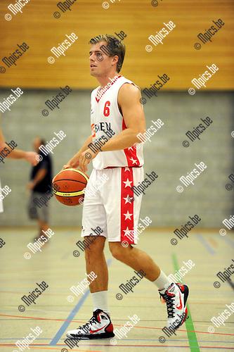 2011-09-10 / Basketbal / seizoen 2011-2012 / Soba Antwerpen / Dennis Bovoy..Foto: Mpics