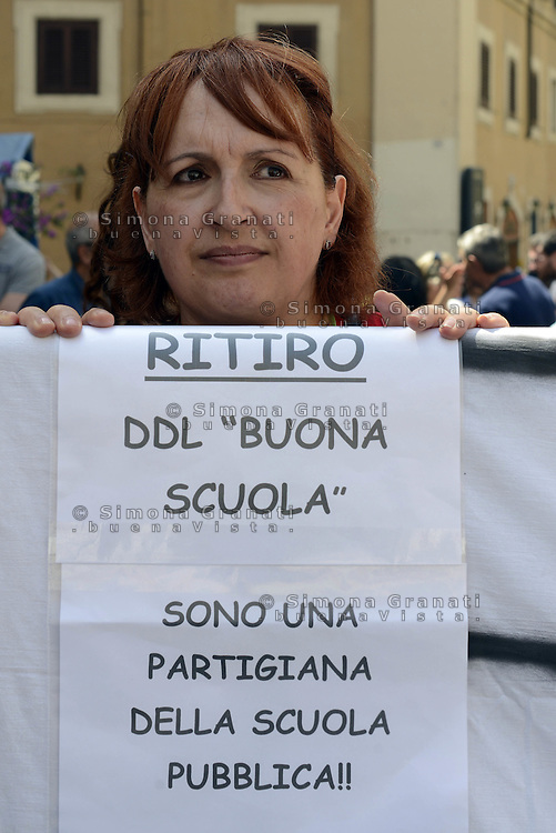 Roma, 19 Maggio 2015<br /> <br /> Protesta in Piazza Montecitorio del Movimento 5 Stelle contro il DDL scuola in discussione alla Camera