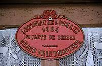 Europe/France/Bourgogne/71/Saône-et-Loire/env de Louhans: détail Plaque d'élevage Concours Agricole chez Mr Didier Grandjean éleveur de poulets de Bresse AOC