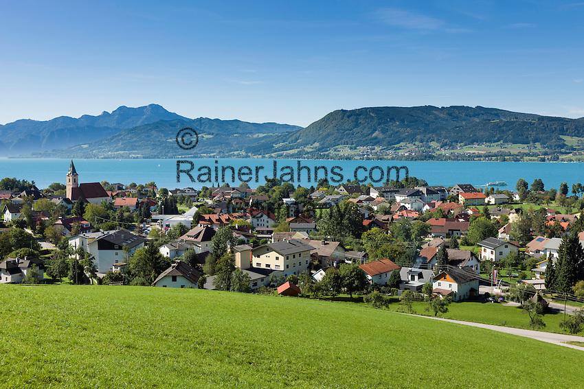 Austria, Upper Austria, Salzkammergut: view across village Weyregg am Attersee   Oesterreich, Oberoesterreich, Salzkammergut: Blick ueber den Ort Weyregg am Attersee