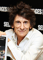 Ronnie Wood booksigning 081517