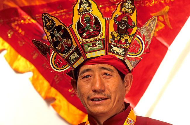 Chine, province du Yunnan. Un ecrivain Dongba.  ***  Portrait of a Dongba writter, Lijiang, Yunnan Province, China.