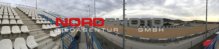Circuito de Jerez, Jerez, ESP, Circuito de Jerez, Formel 1  10.01.2014, <br /> <br /> Teststrecke in Jerez (Spanien - Andalusien) Immer im Januar finden hier die Testfahrten der Formel 1 Fahrer statt.<br /> <br /> Teststrecke zur Zeit ist ein deutscher Motorrad <br /> Club auf der Strecke <br /> Panoramafoto<br /> <br /> Foto &copy; nordphoto/ Kokenge