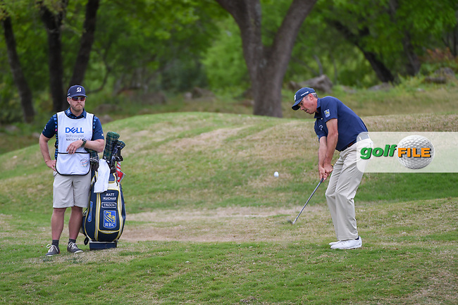 Matt Kuchar (USA) chips on to 5 during day 4 of the WGC Dell Match Play, at the Austin Country Club, Austin, Texas, USA. 3/30/2019.<br /> Picture: Golffile | Ken Murray<br /> <br /> <br /> All photo usage must carry mandatory copyright credit (© Golffile | Ken Murray)