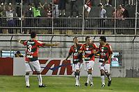ATENÇÃO EDITOR: FOTO EMBARGADA PARA VEÍCULOS INTERNACIONAIS - SÃO PAULO, SP, 05 DE SETEMBRO DE 2012 - CAMPEONATO BRASILEIRO - PORTUGUESA x CORITIBA: Jogadores comemoram segundo gol de Bruno Mineiro durante partida Portuguesa x Coritiba, válida pela 22ª rodada do Campeonato Brasileiro de 2012 no Estádio do Canindé. FOTO: LEVI BIANCO - BRAZIL PHOTO PRESS