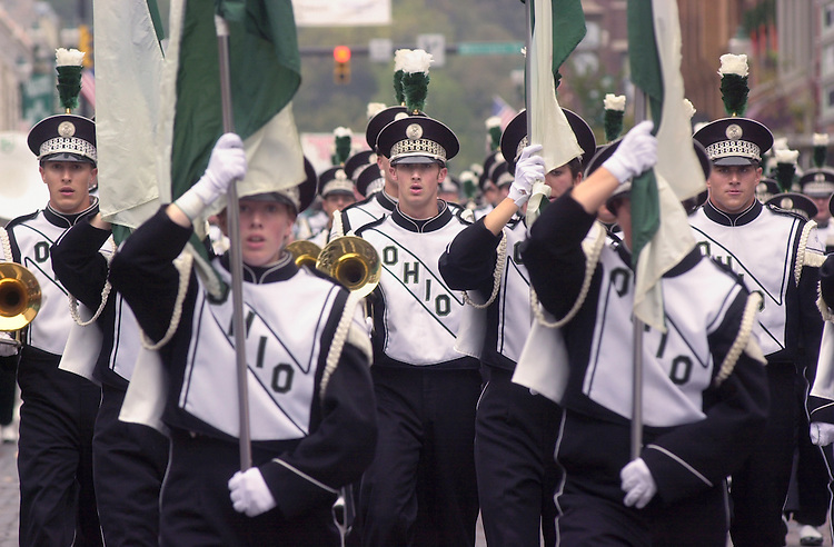 15567Homecoming 2002  Parade