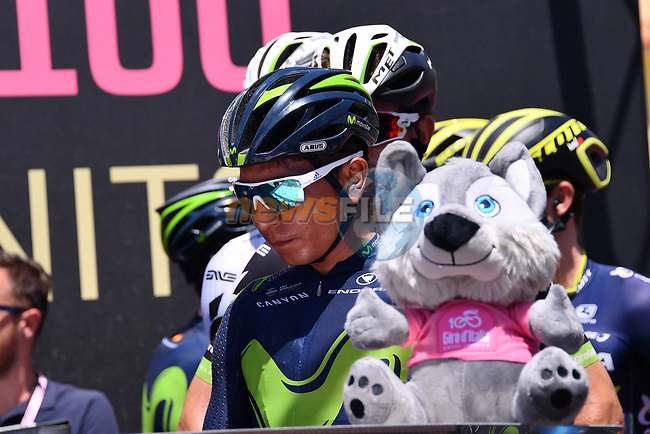 Nairo Quintana (COL) Movistar Team signs on before the start of Stage 9 of the 100th edition of the Giro d'Italia 2017, running 149km from Montenero di Bisaccia to Blockhaus, Italy. 14th May 2017.<br /> Picture: LaPresse/Gian Mattia D'Alberto | Cyclefile<br /> <br /> <br /> All photos usage must carry mandatory copyright credit (&copy; Cyclefile | LaPresse/Gian Mattia D'Alberto)