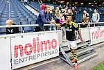 Solna 2015-07-12 Fotboll Allsvenskan AIK - GIF Sundsvall :  <br /> AIK:s Niclas Eliasson h&auml;lsar p&aring; supportrar efter matchen mellan AIK och GIF Sundsvall <br /> (Foto: Kenta J&ouml;nsson) Nyckelord:  AIK Gnaget Friends Arena Allsvenskan GIF Sundsvall Giffarna glad gl&auml;dje lycka leende ler le supporter fans publik supporters