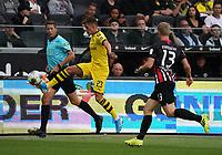 Thorgen Hazard (Borussia Dortmund) gegen Martin Hinteregger (Eintracht Frankfurt) - 22.09.2019: Eintracht Frankfurt vs. Borussia Dortmund, Commerzbank Arena, 5. Spieltag<br /> DISCLAIMER: DFL regulations prohibit any use of photographs as image sequences and/or quasi-video.
