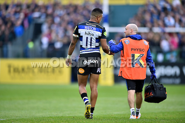 Anthony Watson of Bath Rugby with Physiotherapist Cerian Parham. Aviva Premiership match, between Bath Rugby and Exeter Chiefs on October 17, 2015 at the Recreation Ground in Bath, England. Photo by: Patrick Khachfe / Onside Images