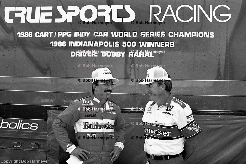 1986 CART Indycar champion Bobby Rahal (left) and team manager Steve Horne at the 1987 CART race at Phoenix International Raceway, near Phoenix, Arizona, USA.