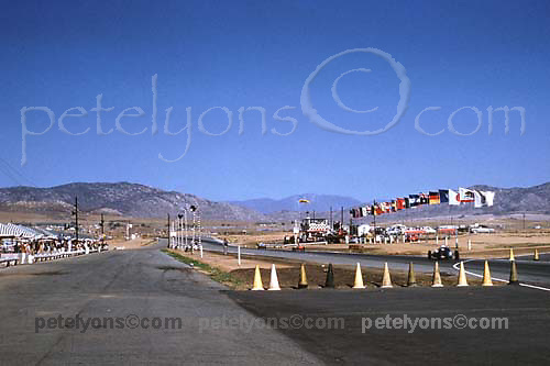 Pit straight and original pit lane at Riverside during 1960 US Grand Prix F1 race; Photo by Ozzie Lyons 1960; © 2014 Pete Lyons