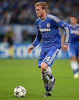 FUSSBALL   CHAMPIONS LEAGUE   SAISON 2013/2014   GRUPPENPHASE FC Schalke 04 - FC Chelsea        22.10.2013 Andre Schuerrle (FC Chelsea) am Ball