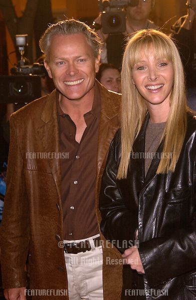 Actress LISA KUDROW & husband at the Los Angeles premiere of Harry Potter and the Sorcerer's Stone..14NOV2001.  © Paul Smith/Featureflash