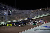 #88: Matt Crafton, ThorSport Racing, Ford F-150 Ideal Door/Menards, #18: Noah Gragson, Kyle Busch Motorsports, Toyota Tundra Safelite AutoGlass, restart