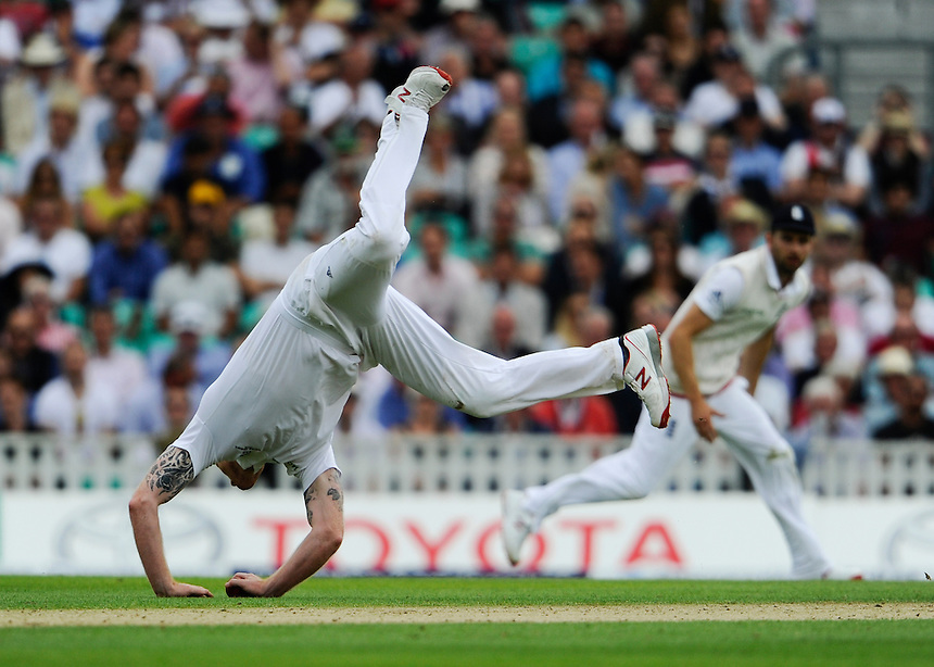 England's Ben Stokes field off his own bowling<br /> <br /> Photographer Ashley Western/CameraSport<br /> <br /> International Cricket - Investec Ashes Test Series 2015 - Fifth Test - England v Australia - Day 1 - Thursday 20th August 2015 - Kennington Oval - London<br /> <br /> &copy; CameraSport - 43 Linden Ave. Countesthorpe. Leicester. England. LE8 5PG - Tel: +44 (0) 116 277 4147 - admin@camerasport.com - www.camerasport.com