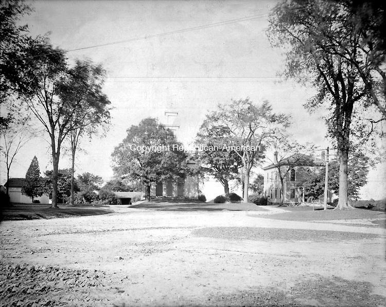 Frederick Stone negative. Middlebury Green 1908.