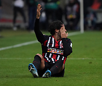 Goncalo Paciencia (Eintracht Frankfurt) hat einen Schlag abbekommen - 23.11.2019: Eintracht Frankfurt vs. VfL Wolfsburg, Commerzbank Arena, 12. Spieltag<br /> DISCLAIMER: DFL regulations prohibit any use of photographs as image sequences and/or quasi-video.