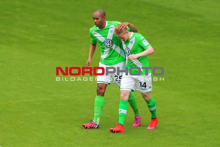 16.05.2015 Volkswagen Arena, Wolfsburg, GER, 1.FBL, VfL Wolfsburg vs Borussia Dortmund, im Bild <br /> <br /> Naldo #25 und Kevin De Bruyne #14<br /> <br /> Foto &copy; nordphoto / Rust