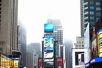NEW YORK, NY, 04.04.2017 - CLIMA-NEW YORK - Forte neblina é vista no inicio da tarde desta terça-feira, 04 na região da Times Square em New York.(Foto: William Volcov/Brazil Photo Press)
