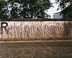 R Planet, Berllin wall, Berlin, Germany, August 2004