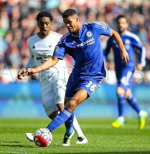 09.04.2016. Liberty Stadium, Swansea, Wales. Barclays Premier League. Swansea versus Chelsea. Chelsea's Ruben Loftus-Cheek in action