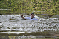 FIERLJEPPEN: BURGUM: 10-09-2016, Pollepleats Nationale Competie, laatste (nat) sprong Oane Galama, ©foto Martin de Jong