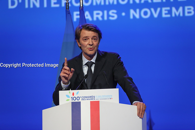FRANCOIS BAROIN (PRESIDENT DE L'ASSOCIATION DES MAIRES DE FRANCE) - LA SEANCE DE CLOTURE DU 100EME CONGRES DES MAIRES DE FRANCE A PARIS, FRANCE, LE 23/11/2017.