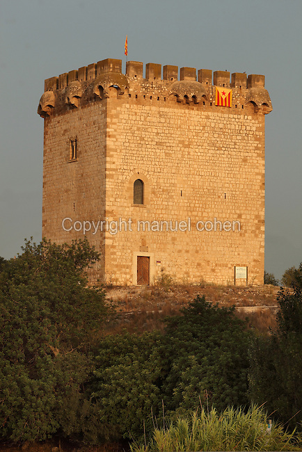 Knights Templar watchtower, 12th century, on the banks of the Ebro river, Tortosa, Tarragona, Spain. The Knights Templar were formed in the 11th century after the First Crusade to protect pilgrims travelling to the Holy Land. This is one of many watchtowers they occupied around Tortosa. Picture by Manuel Cohen