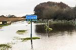 SCHIERMONNIKOOG - hoog water op het fietspad  Waddeneiland Schiermonnikoog.  ANP COPYRIGHT KOEN SUYK