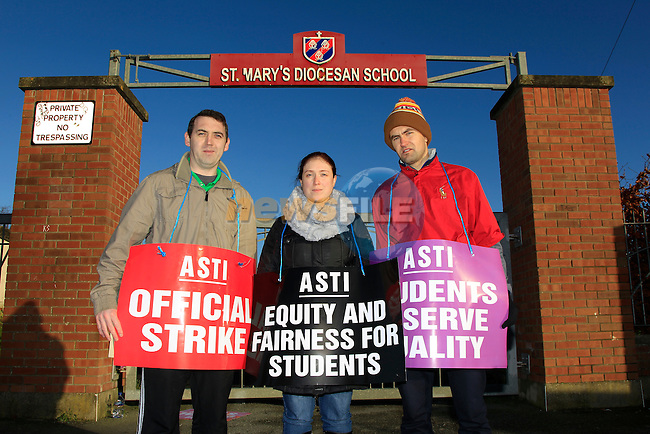 Teacher's strike at St. Mary's Diocesan School on Tuesday 2nd December 2014.<br /> Picture:  Thos Caffrey / www.newsfile.ie