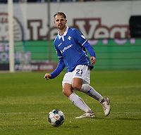 Immanuel Höhn (SV Darmstadt 98) - 04.10.2019: SV Darmstadt 98 vs. Karlsruher SC, Stadion am Boellenfalltor, 2. Bundesliga<br /> <br /> DISCLAIMER: <br /> DFL regulations prohibit any use of photographs as image sequences and/or quasi-video.