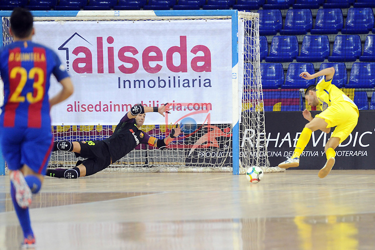 League LNFS 2016/2017 - Game 4.<br /> FC Barcelona Lassa vs Gran Canaria FS: 4-2.<br /> Paco Sedano vs Juanito.
