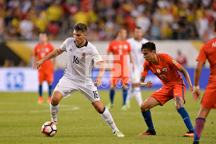 Chicago, IL - Wednesday June 22, 2016: Daniel Torres, Erick Pulgar during a Copa America Centenario semifinal match between Colombia (COL) and Chile (CHI) at Soldier Field.