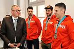v.l. OB Peter Kurz, Mannheims Sinan Akdag (Nr.7), Mannheims Matthias Plachta (Nr.22) und Mannheims Marcel Goc (Nr.23) beim Empfang bei der Stadt Mannheim fuer die Spieler, der olympischen Silbermedaillen Gewinner von den Adlern Mannheim.<br /> <br /> Foto &copy; PIX-Sportfotos *** Foto ist honorarpflichtig! *** Auf Anfrage in hoeherer Qualitaet/Aufloesung. Belegexemplar erbeten. Veroeffentlichung ausschliesslich fuer journalistisch-publizistische Zwecke. For editorial use only.